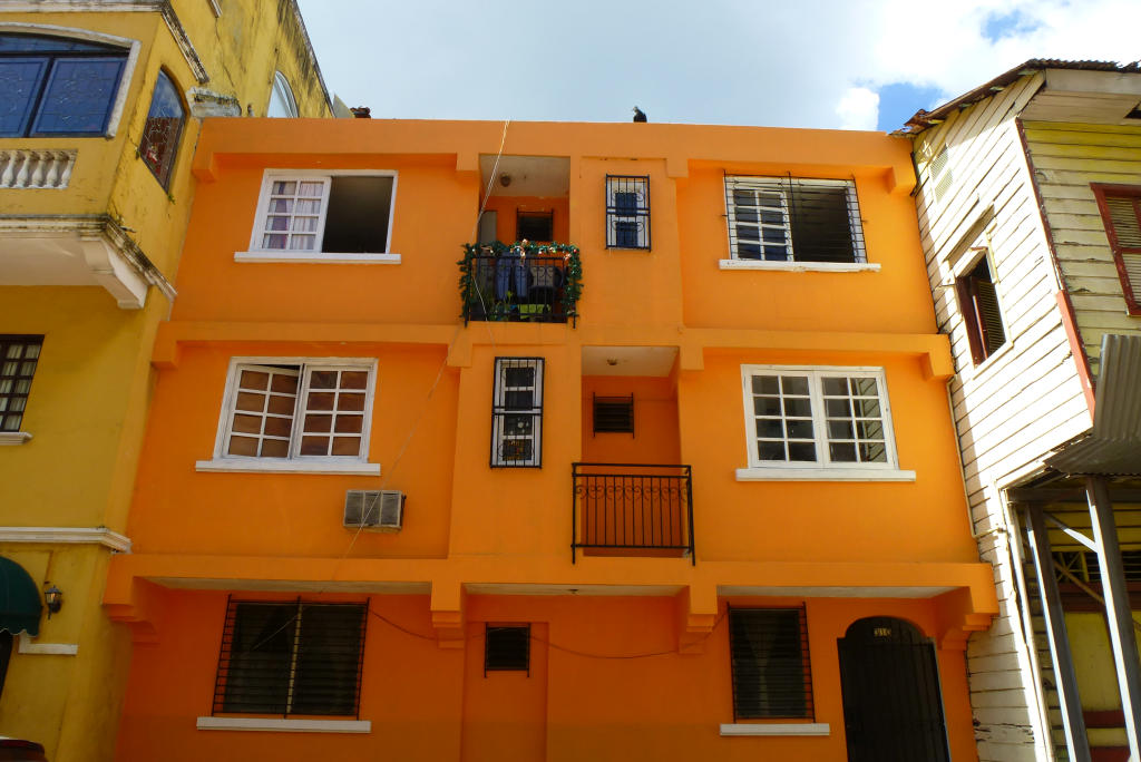 The buildings in Casco Viejo have eye-popping colors!